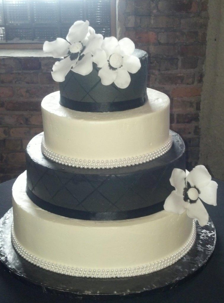 CRAVE Catering In Minneapolis Debuts Own Wedding Cakes